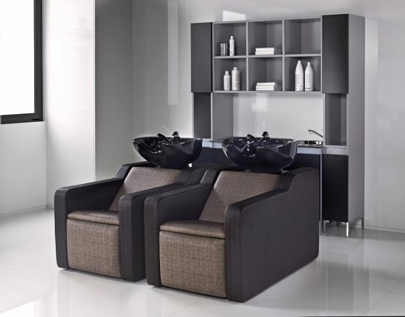 scafa-mobila-o-piesa-indispensabila-pentru-coafor