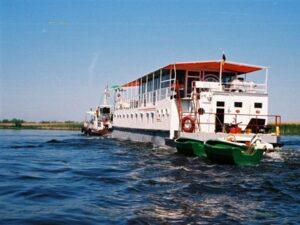 Descopera mai multe informatii despre hotelurile plutitoare din Delta Dunarii